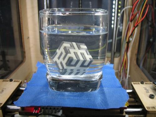 PVA пластик растворяется в воде