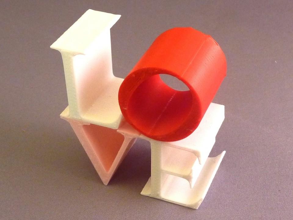 3D модель надпись LOVE распечатанная на принтере Tricolour Mendel
