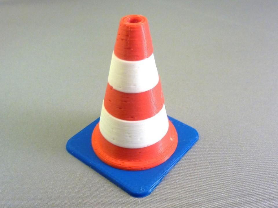 3D модель дорожного  колпака распечатанного на 3D принтере Tricolour Mendel